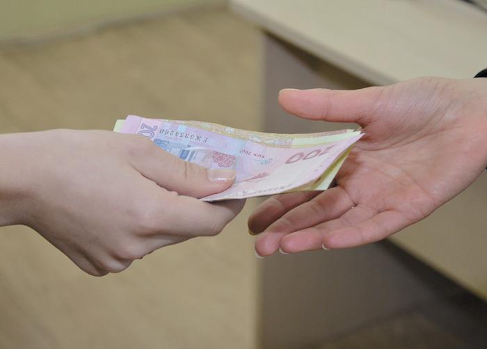 ФОП і працівникам, які постраждали від посилення карантину в «червоних» зонах, виплатять по 8 тис. грн